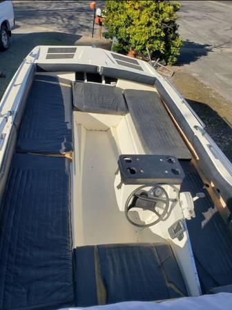 Photo 1969 K-Craft Tri-Hul Multi-Craft Boat Party Barge Like 125 Mercury outboard moto - $2,000 (Roseburg)