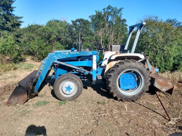 Photo 1980 Ford 1700 Tractor with Rototiller 4wd - $7,200 (Roseburg)