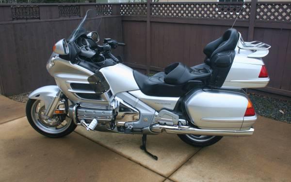Photo 2005 Honda Goldwing GL1800 - $11,400 (Veneta)