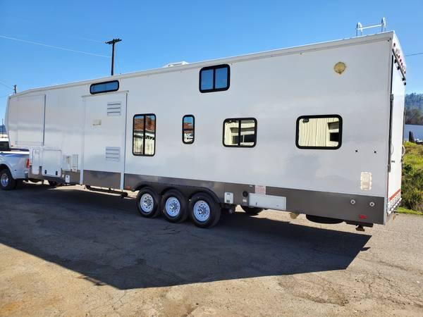 Photo 2011 Road Warrior 395 Toy Hauler - $28,900 (Roseburg)
