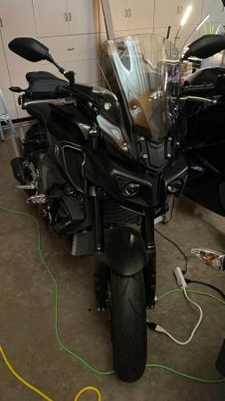 Photo 2017 Yamaha FZ10 (MT10) in new condition - $8,500 (Rogue River)