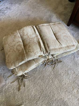 Photo 4 free cushions for outdoor furniture (Eugene)