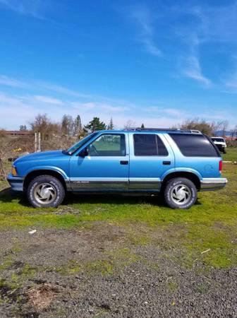 Photo 96 Chevy blazer s10 4x4 - $1500 (Eugene)