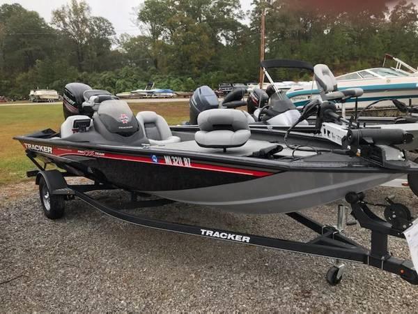 Photo Bass Tracker 175 TXW - $18,500 (Roseburg)