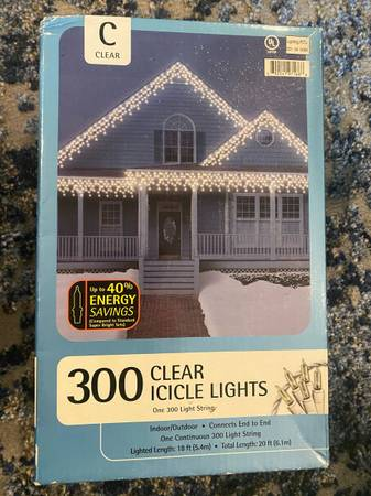 Photo CHRISTMAS LIGHTS AND DECORATIONS - $125