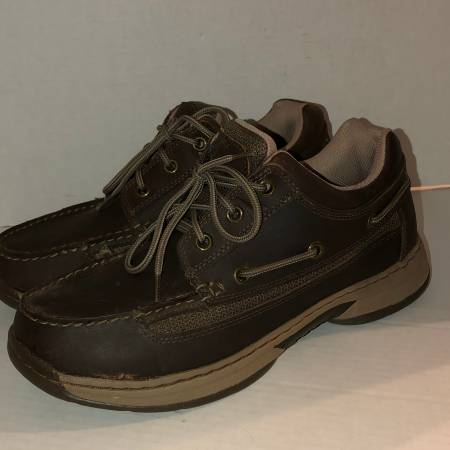 Photo Cabela39s brown suede boat shoes 82-3345 mens 9.5 W - $20 (Albany - porch pickup near Waverly)