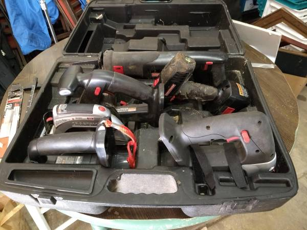 Photo Craftsman battery power tool combo - $100 (Yoncalla)