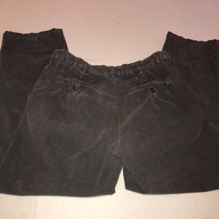 Photo Croft  Barrow gray dress casual flat front corduroy pants mens 32 x31 - $10 (Albany - porch pickup near Waverly)