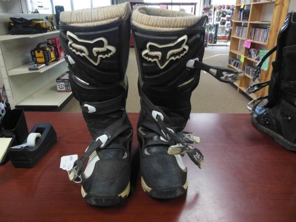 Photo Fox Motocross Boots - $45 (roseburg)