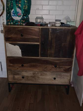 Photo Garage sale, selling everything (Winchester)
