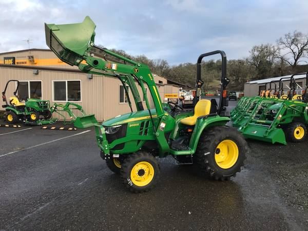 Photo John Deere 3025E Tractor Loader Box Blade January Special - $18999 (Roseburg)
