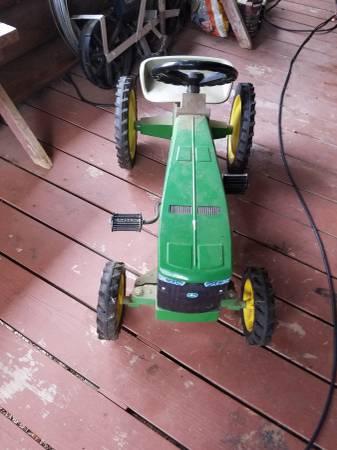 Photo John Deere pedal tractor - $250 (Azalea)