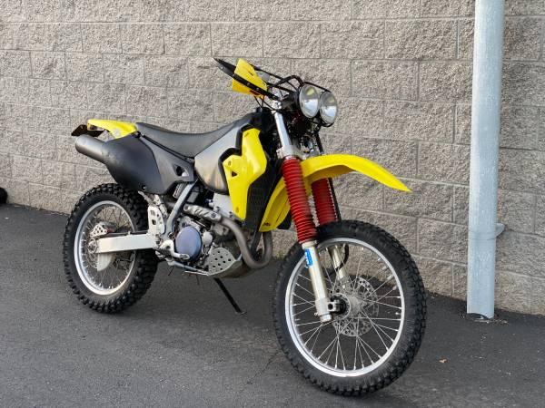 Photo Plated 2003 Suzuki DRZ 400 dual sport enduro - $3,200 (Bend)