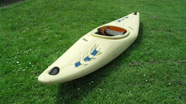 Prijon Hurricane Whitewater Kayak - $100 (Roseburg