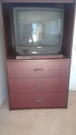 Photo TV Cabinet with drawers wTV and 30 inch round table - $50 (Sutherlin)