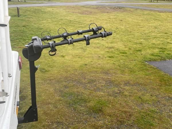 Photo Thule Bike Rack New - $275 (Roseburg)