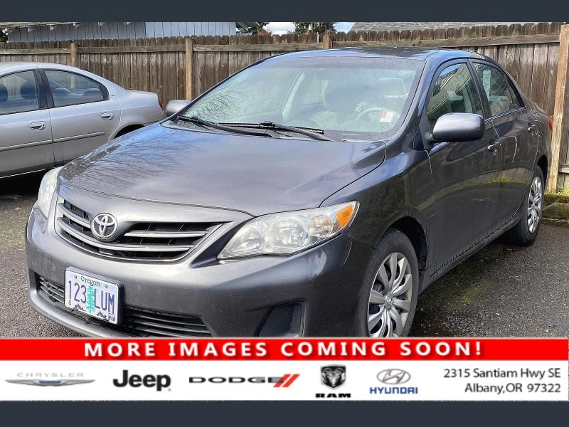 Photo Used 2013 Toyota Corolla LE Special Edition for sale
