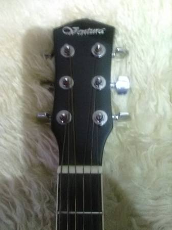Photo Ventura acoustic steel string guitar (with electric pick-up) - $140 (Applegate)