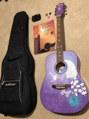 Photo Washburn Hannah Montana acoustic guitar - $95 (Eugene)