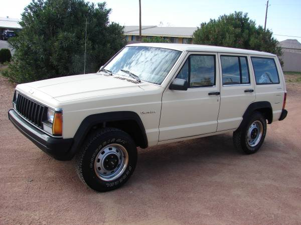 Photo 1987 Jeep Cherokee 4x4 86k miles - $5,500 (Van Horn Tx)