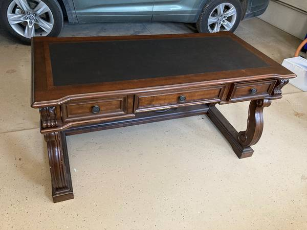 Photo Executive desk and leather swivel chair--Ashley - $400 (Roswell)