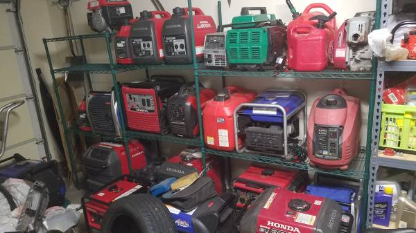 Photo Generators yamaha honda 1000 2000 3000 2400 2800 3500 watt new used tr - $400 (Ne heights)