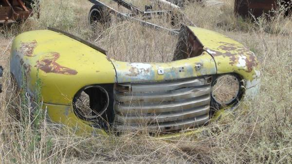 Photo Model A parts, truck engines, rear ends etc - $1 (McIntosh NM)