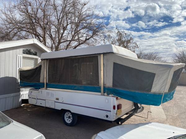 Photo Pop-up cer 1996 Fleetwood good condition - $2,200 (Las Cruces)