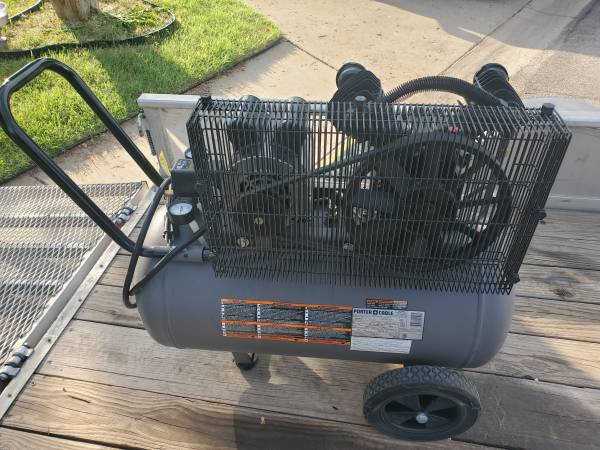 Photo Porter Cable air compressor - $300 (Midland)