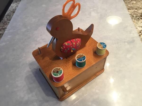Photo Vintage Wood Duck Sewing Caddy Scissor  Thread Holder - $30 (NE Heights)