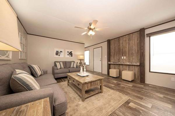 Photo brand new single wide home with 3 bed, 2 bath with a USED priced tag (Carslbad, Las Cruces, Roswell)