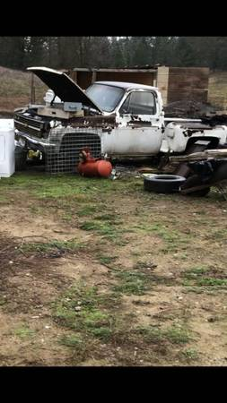 Photo 1984 Chevy C 10 stepside shortbed pickup project - $450 (Placerville)