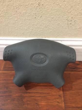Photo 2001- 2004 Toyota Tacoma air bag - $110 (sacramento)