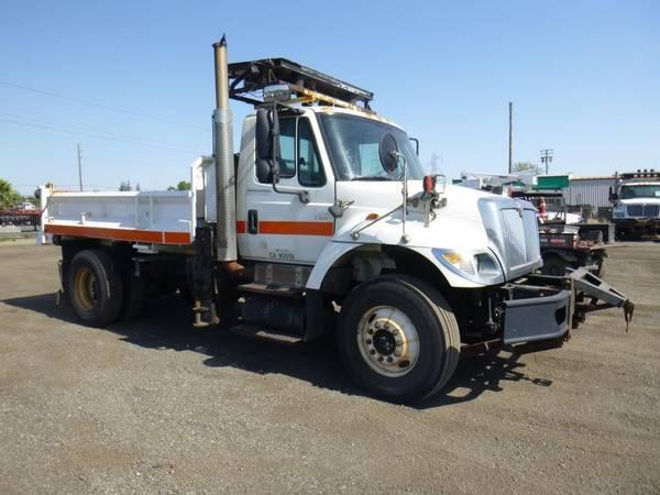 Photo 2007 International 7400 SA Dump Truck