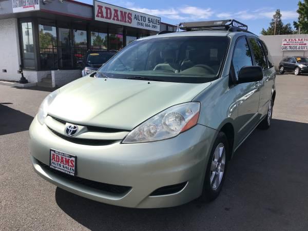 Photo 2007 Toyota Sienna LE 7 Passenger 4dr Mini Van DVDEXTRA CLEAN ONLY - $6,995 (Sacramento)