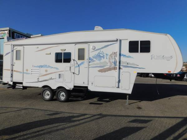 Photo 5th WHEEL 29 WILDCAT BUNKHOUSE FIFTH WHEEL TRAVEL TRAILER W SUPER S - $12,500 (GOLD COUNTRY RV)
