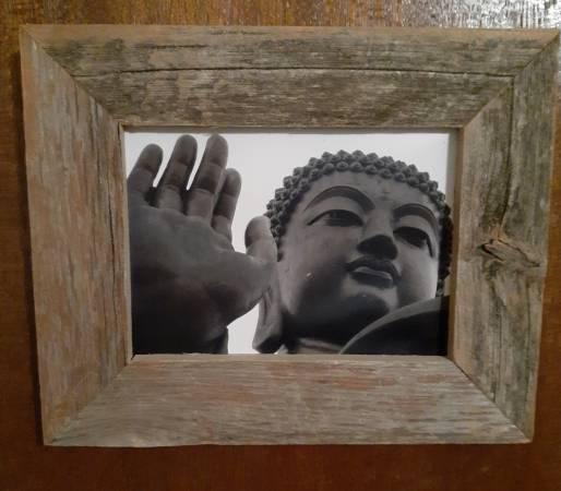 Photo Black and white Buddhist theme photo - $15 (North Sacramento)