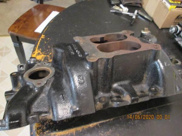 Photo Cast Iron Z28 LT1 High Rise Intake Manifold - $150 (Sacramento)