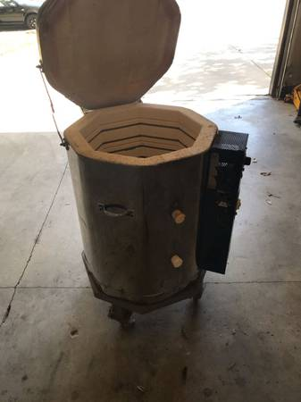 Photo Ceramic kiln electric - $750 (Rockin)
