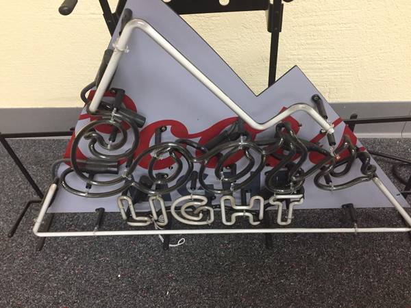 Photo Coors Light Neon sign (Roseville)