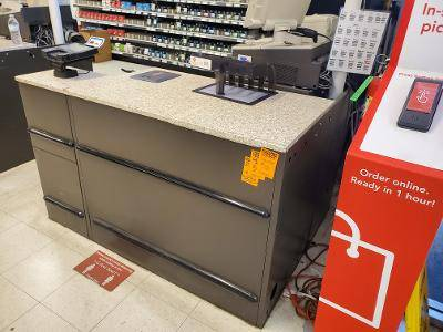 Photo Customer service - cash wrap  check-out counters - $100 (2200 W. Cleveland Madera)