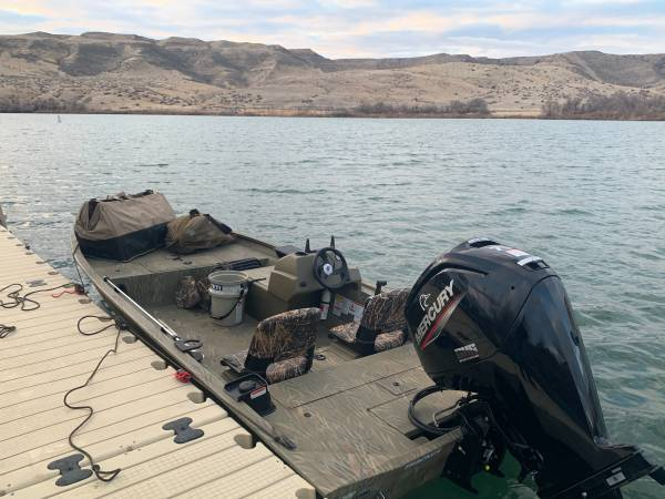 Photo Duck Boat - Bass Tracker Grizzly - $20000