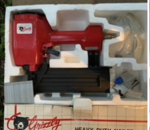 Photo Grizzly heavy duty nailer gun new in box power tool model G2413 - $55 (Fair Oaks)