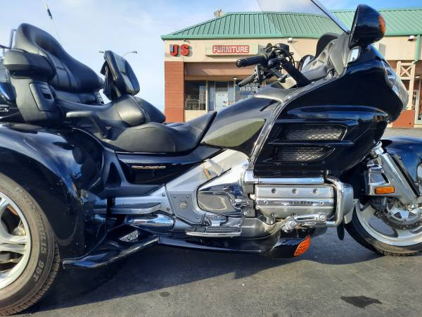 Photo HONDA GOLDWING  HARLEY TRIKE SALE, LOW MILES  PRICES, FREE DELIVERY - $15,500 (SACRAMENTO)