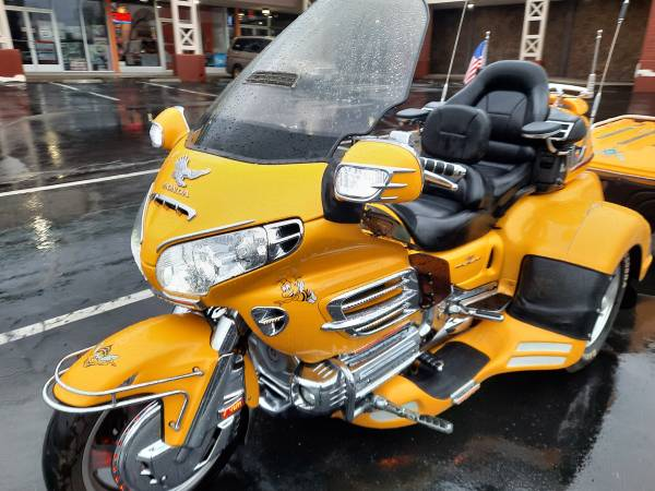Photo HONDA GOLDWING  HARLEY TRIKE SALE, LOW MILES  PRICES, FREE DELIVERY - $15,000 (SACRAMENTO)