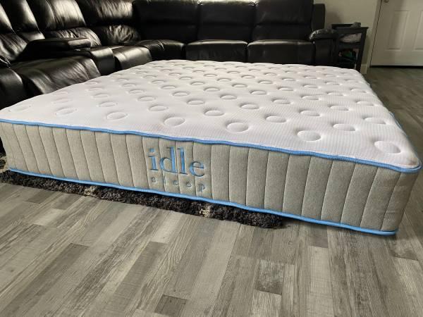 Photo Idle sleep king size mattress  King mattress  Free delivery - $800 (Sacramento)