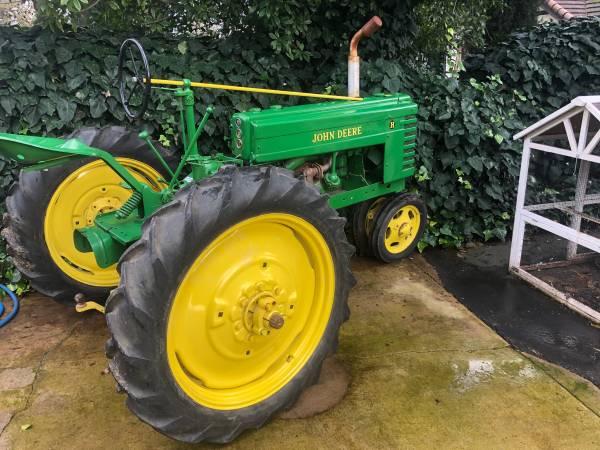 Photo John Deere model H tractor - $2500 (Elk Grove)