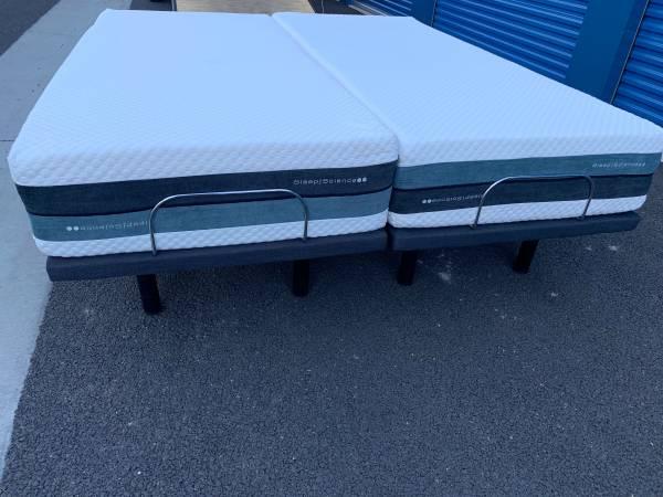 Photo King Size Bed  Sleep Science split king adjustable bed  - $2,200 (Sacramento)