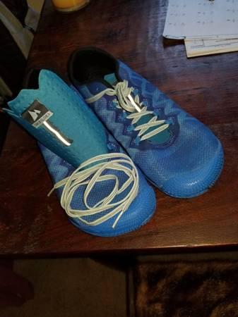 Photo MENS RUNNING SHOES - Merrell Minimalist Running Shoes, Mens 11.5 - $25 (Carmichael)