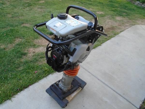 Photo MULTIQUIP MIKASA RAMMER MTX-60 HONDA MOTOR COMMERCIAL LIKE NEW - $1,000 (Sacramento)